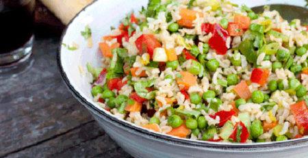 Рисовий салат з овочами